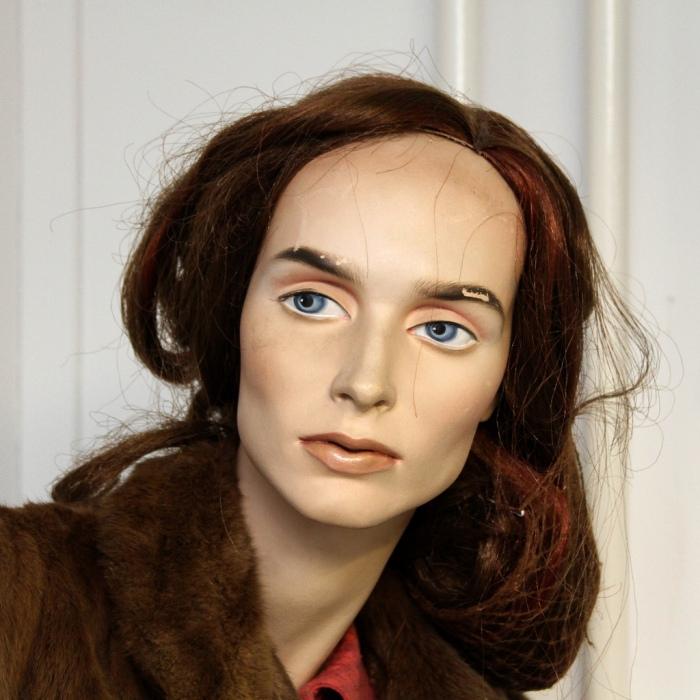 mannequin VI - Leo Reynolds